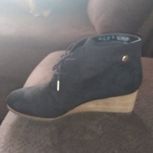 dr scholl's conquer wedge booties